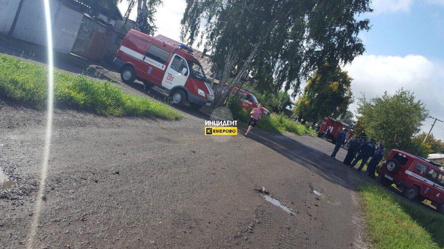 В Кемерове при пожаре в частном доме погибли два человека