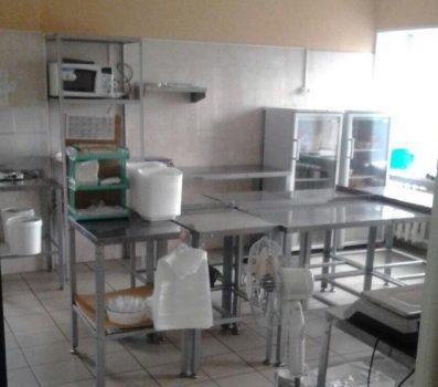 Кемеровскую службу доставки временно закрыли за изготовление опасных роллов