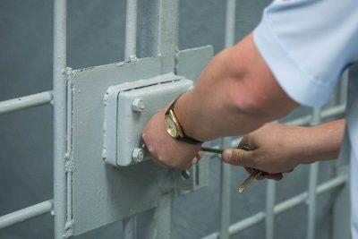 72-летний новокузнечанин получил 8 лет колонии строгого режима за убийство супруги из-за фото