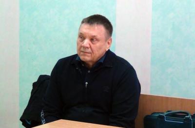 Видео: Юрий Мовшин слушает обвинительное заключение по делу о ДТП с четырьмя погибшими