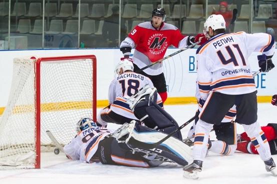Новокузнецкий «Металлург» стартовал в ВХЛ с победы