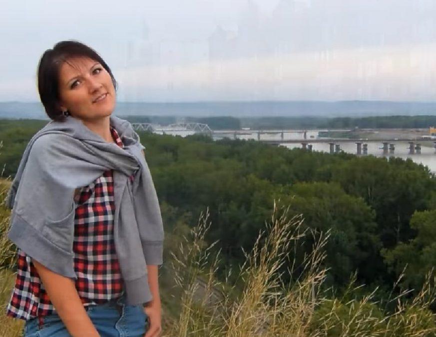 Клип жительницы Новокузнецка напесню олюбимом городе взбудоражил Сеть