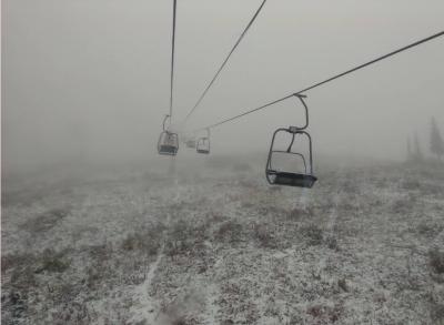 Фото: в Шерегеше выпал первый снег
