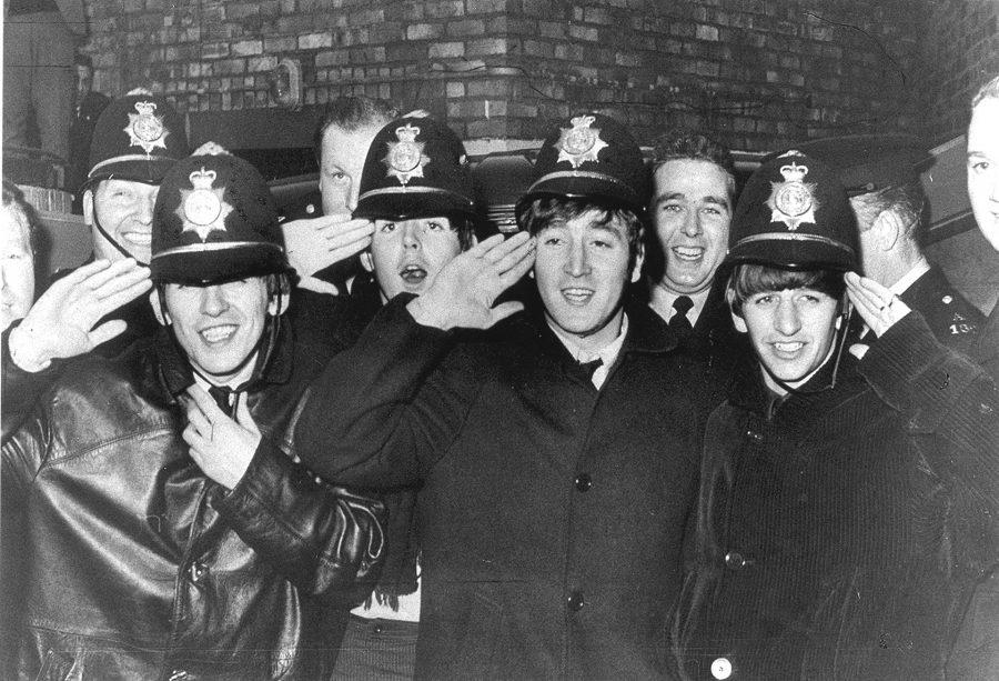 ВНовокузнецк нанесколько месяцев привезут скульптуру группы The Beatles
