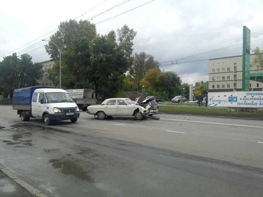 В Кемерове в ДТП на Красноармейской пострадала пассажирка Toyota Carina