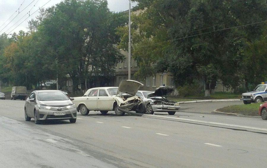 В Кемерове произошло серьёзное ДТП в Центральном районе города