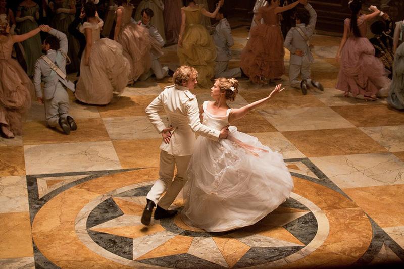 Кемеровчан научат танцевать полонез, мазурку и вальс