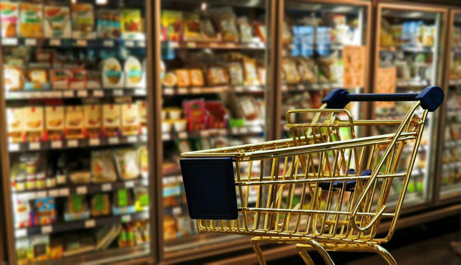 В России продолжает снижаться цена на минимальный набор продуктов питания