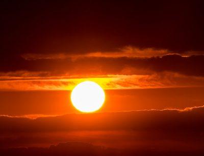 Мощная вспышка на Солнце стала причиной сбоев связи в Европе и в Америке