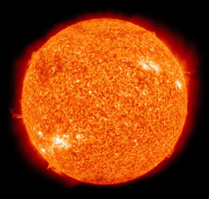 Поуглам. Экипаж МКС спрятался вукрытии отвспышки наСолнце