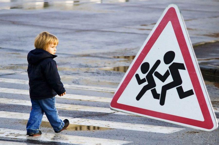 Вюжной столице Кузбасса автоледи сбила ребенка, переходившего дорогу накрасный свет