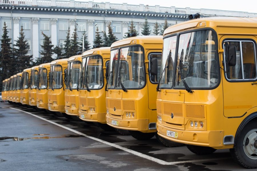 ВКузбассе вчесть Дня учителя закупили 52 школьных автобуса