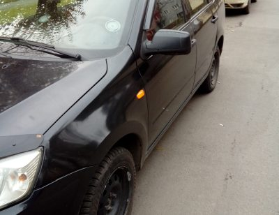 Жительница Новокузнецка закурила возле отдела судебных приставов и лишилась своего авто