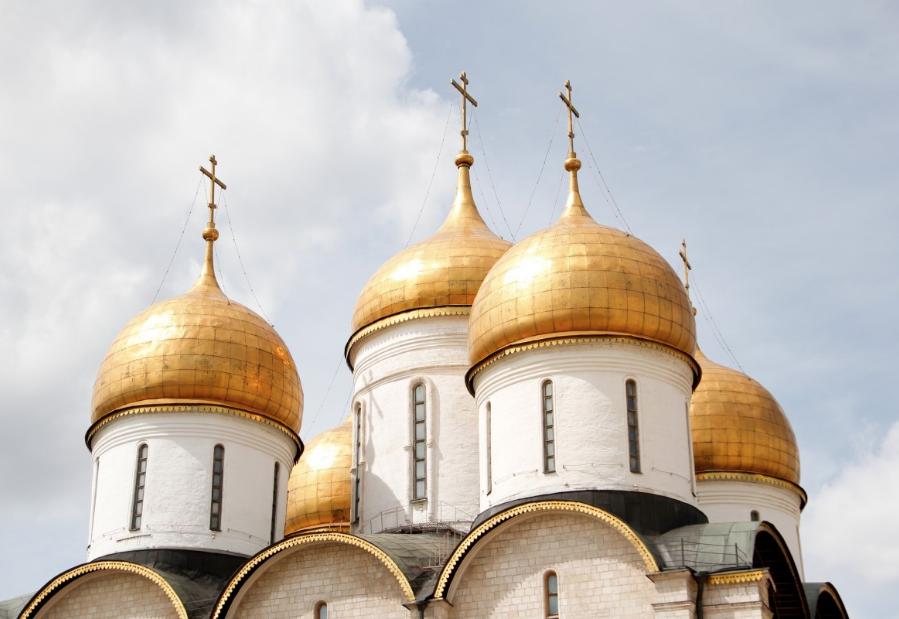 В Госдуме РФ предложили приравнять венчание к официальному браку