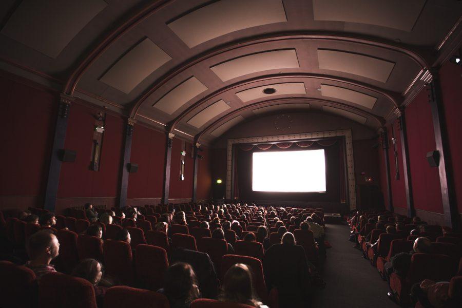 Минкультуры предлагает пускать детей на фильмы и спектакли 18+ только по паспорту