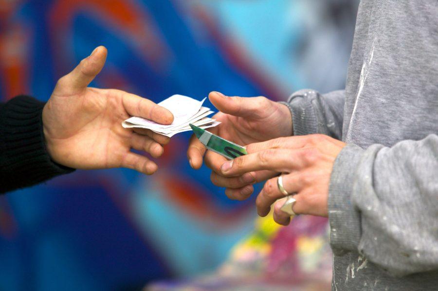 Юный барыга: как кемеровских подростков вербуют в наркокурьеры