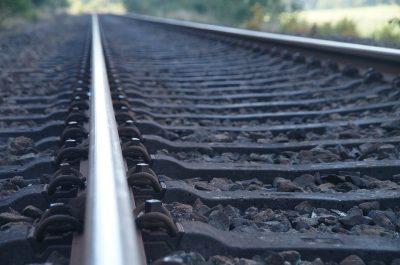 За сутки в Кузбассе грузовые поезда насмерть сбили двоих человек