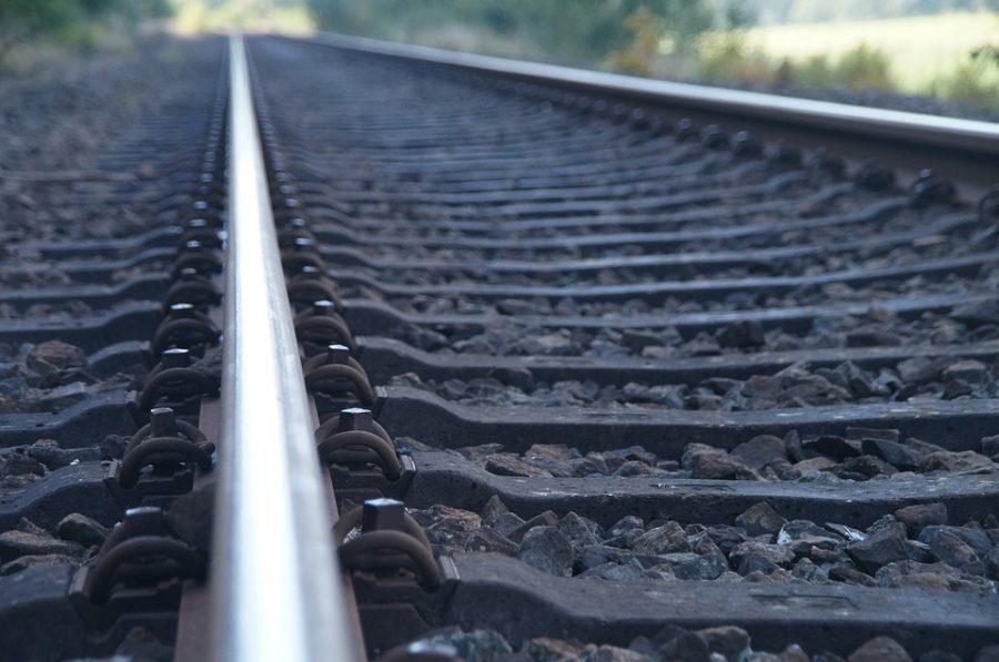 Накузбасской железной дороге засутки погибли два человека