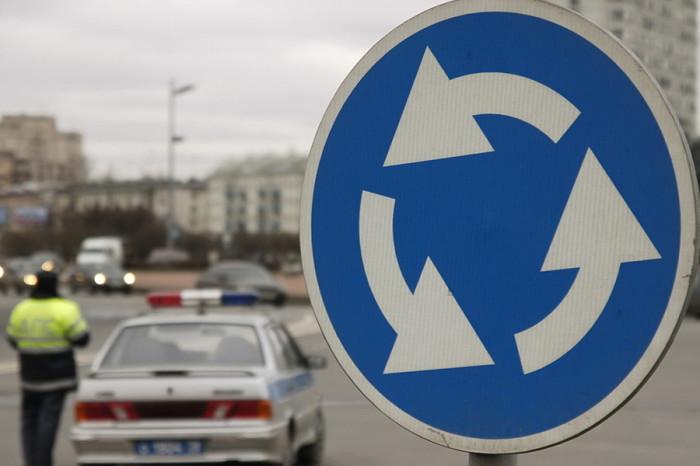 В Новокузнецке могут отметить кольцевое движение возле вокзала