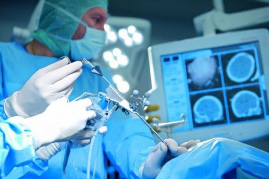 Кузбасские нейрохирурги провели уникальную операцию на мозге