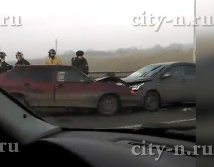 В Новокузнецке столкнулись ВАЗ и Kia
