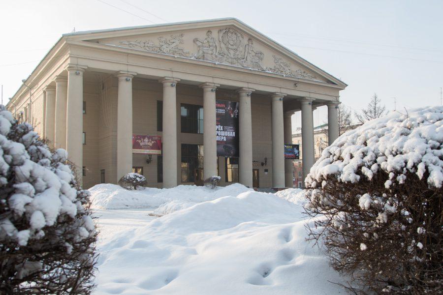 Премьера сезона: кемеровский Театр драмы поставил пьесу петербургского драматурга
