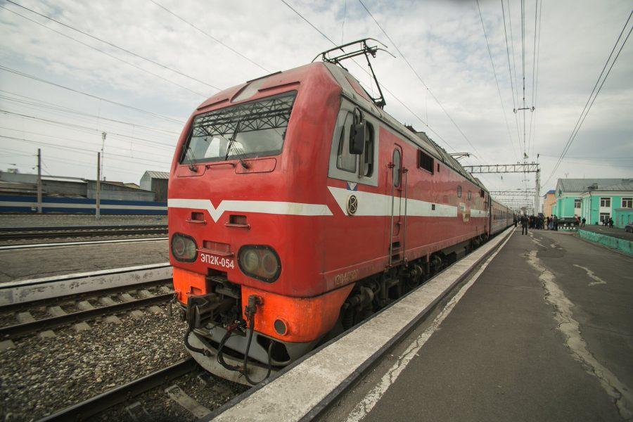 Два пассажира поезда «Москва – Кемерово» в пути получили сотрясение мозга