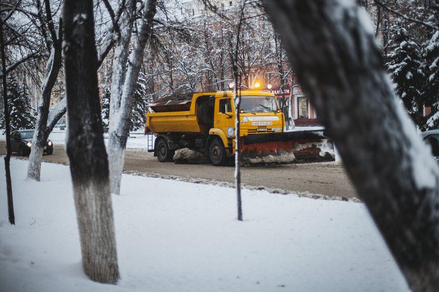 В Кузбассе из-за снегопада дорожники переведены в усиленный режим