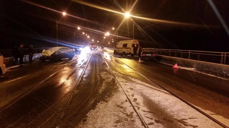 ВНовокузнецке 5 человек пострадали вДТП сучастием скорой