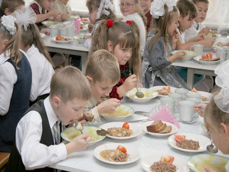 Роспотребнадзор оштрафовал кузбасские школы на 910 000 рублей