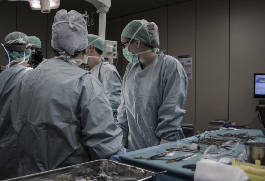 Кузбасские хирурги спасли новорожденного, сделав неповторимую операцию