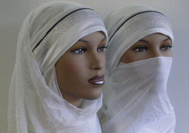 Представлена первая кукла Barbie в хиджабе