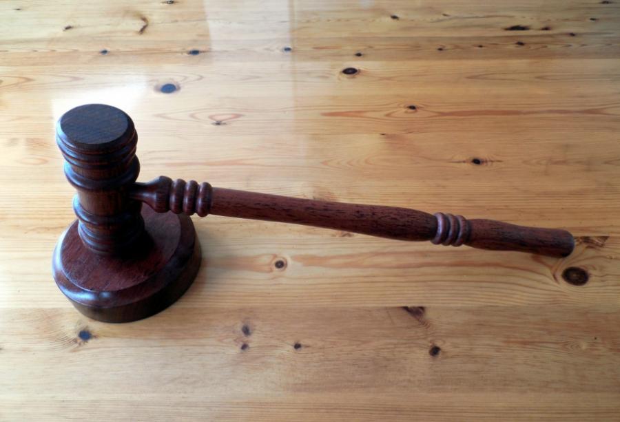 Кузбассовец случайно рассказал о надругательстве над школьницей и попал в тюрьму