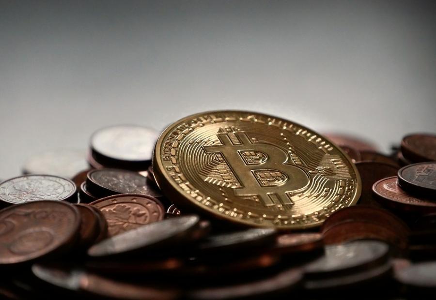 Более $9 тысяч за биткоин: кузбассовцам расскажут, стоит ли входить на криптовалютный рынок