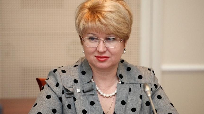 Заработавшая загод практически  4 млн  вице-мэр Омска жаловалась  на небольшую  заработную плату