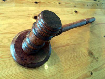 Кемеровского руфера будут судить за драку возле бара