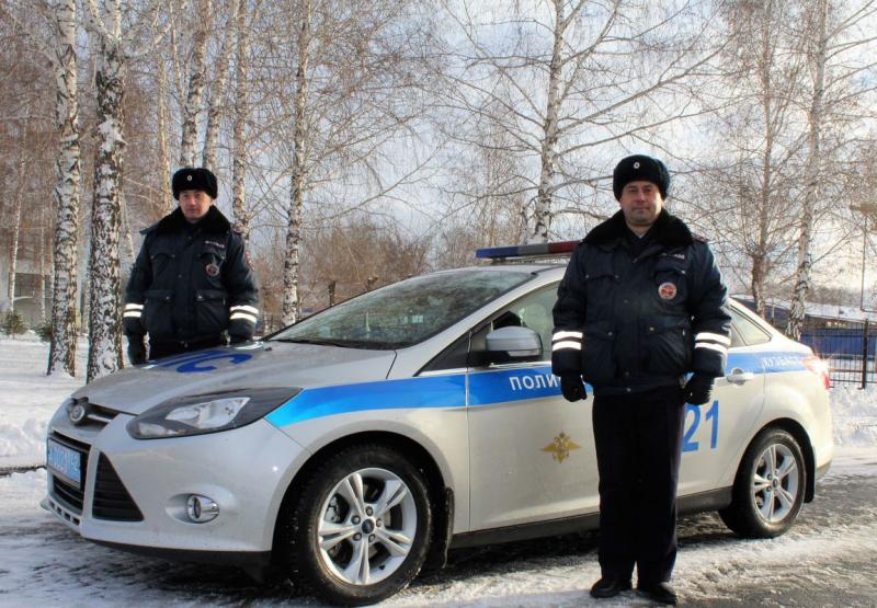 Сотрудники ГИБДД спасли кузбассовца, умиравшего от потери крови