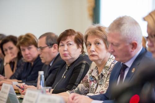 Путин: Тулеев объявил, что страну должен возглавлять самый влиятельный вмире президент