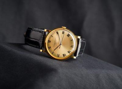 Компанию оштрафовали на 100 тысяч за продажу поддельных швейцарских часов в Кузбассе