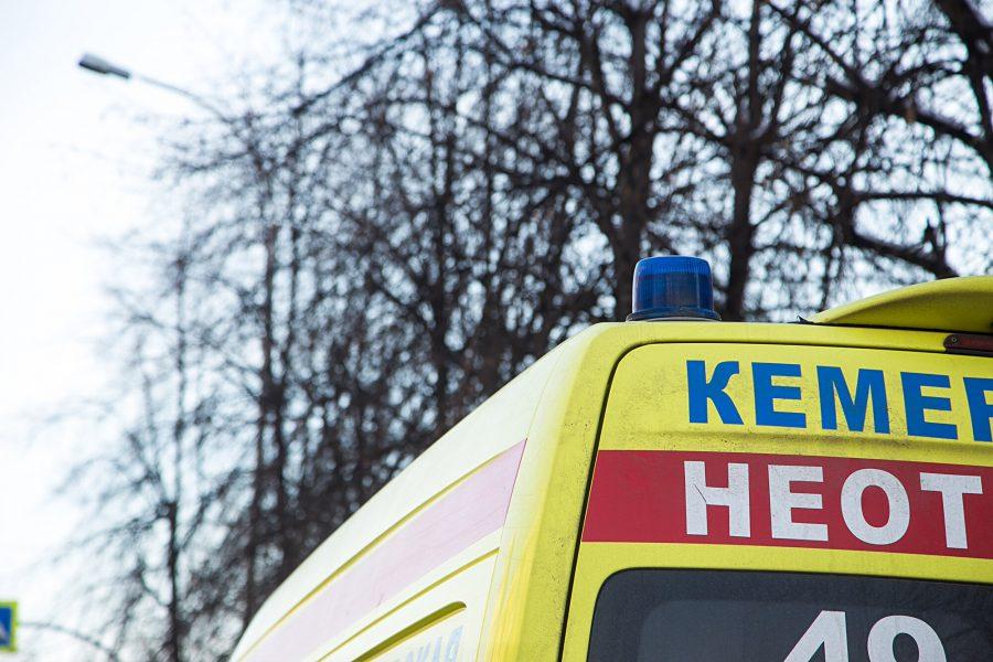 18-летняя кемеровчанка выпала изокна 5-ого этажа ивыжила