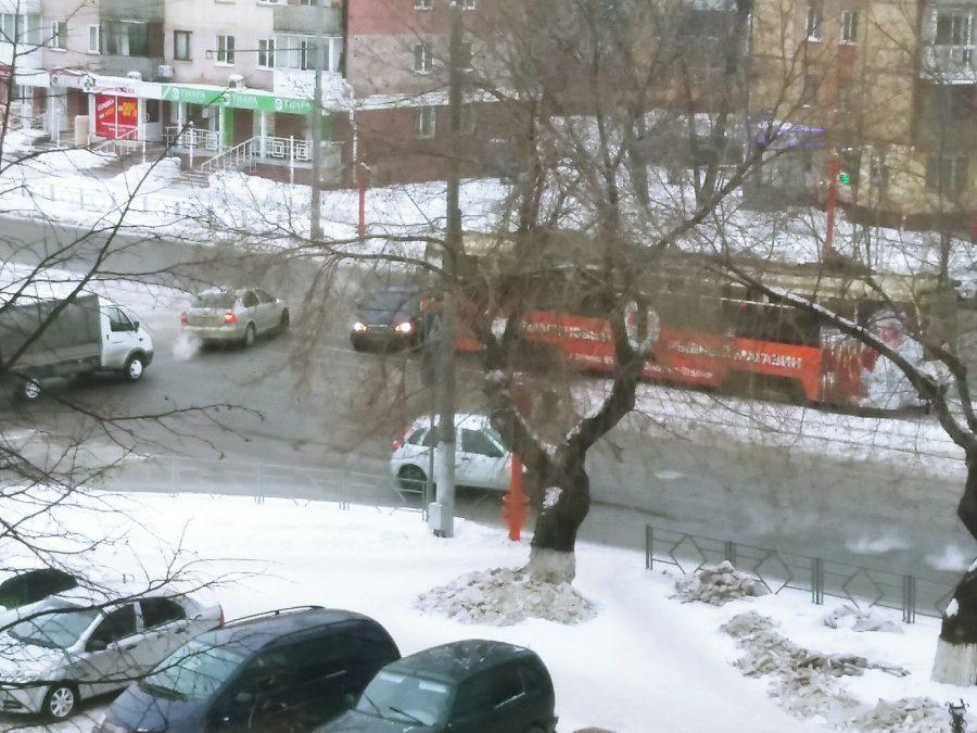 ВКемерове несмогли разъехаться трамвай итакси