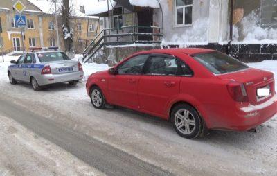 Инспекторы ГИБДД помогли тяжелобольной жительнице Кузбасса попасть в больницу