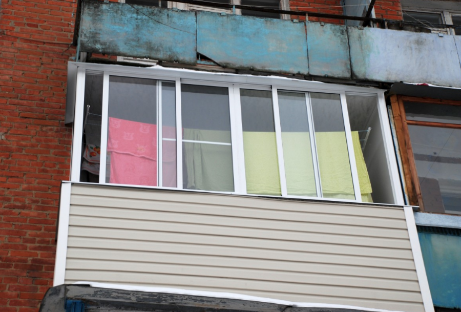 ВКемерове мать двоих детей разбилась насмерть, упав с10-го этажа