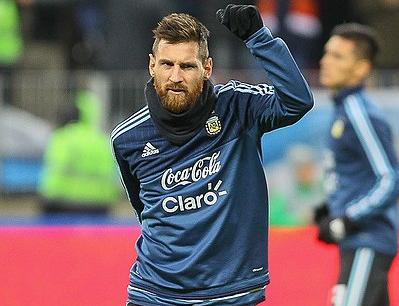 Месси сделал голевой пас в матче с «Реалом» без бутсы, видео момента сняли на видео