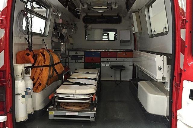 В Кузбассе водитель ГАЗа получил травмы после столкновения с КамАЗом