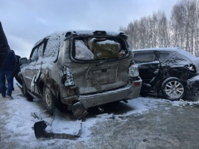 На трассе Кемерово-Новосибирск произошла серьёзная авария с участием шести машин