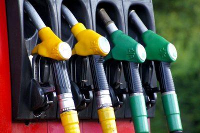 Цены на бензин потянулись вверх за акцизами