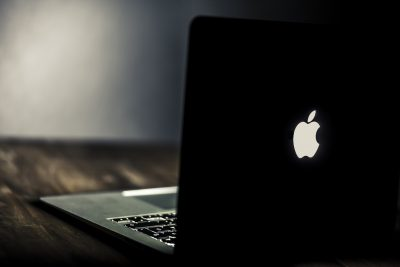 Корпорация Apple призналась в намеренном замедлении работы старых версий iPhone