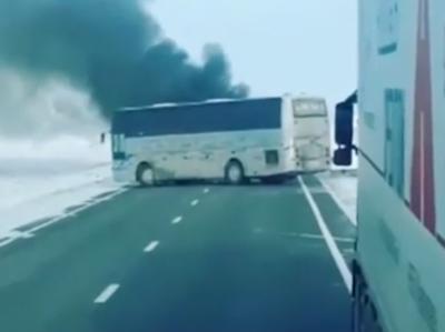Пассажиры сгоревшего в Казахстане автобуса грелись в салоне паяльной лампой