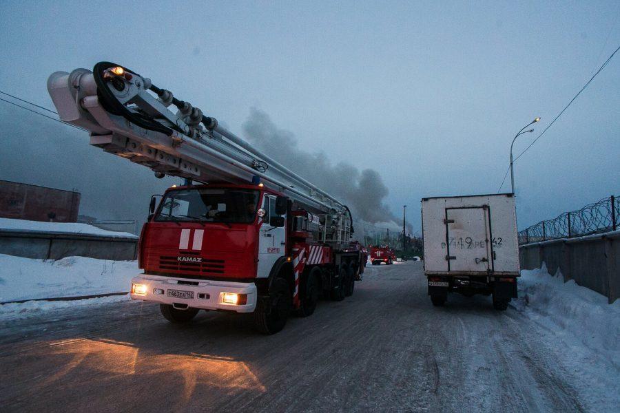 В Беловском районе при пожаре в многоквартирном доме спаслись 14 человек